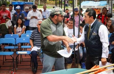 Encabeza Raúl Camacho 7ma Entrega de paquetes de herramientas a bajo costo2