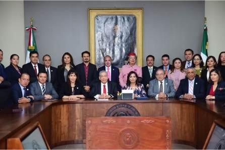 Entrega Ejecutivo Estatal 3er Informe de Gobierno al Congreso4