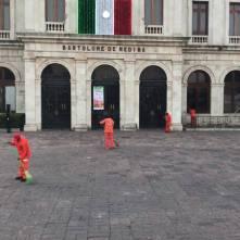SOPOT realiza trabajos de limpieza en calles principales y explanada de Plaza Juárez1