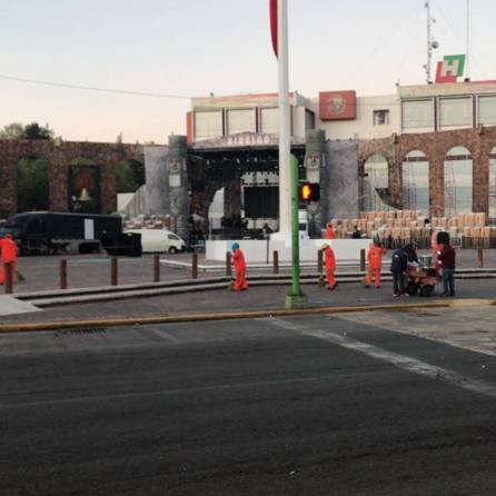 SOPOT realiza trabajos de limpieza en calles principales y explanada de Plaza Juárez2