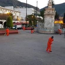 SOPOT realiza trabajos de limpieza en calles principales y explanada de Plaza Juárez3