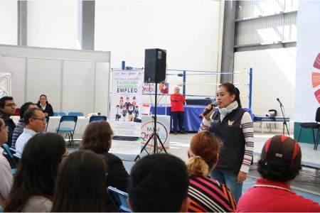 STPSH imparte talleres para vincular a futuros egresados de universidades en un empleo