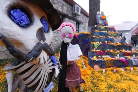 Afina UAEH detalles del Festival de Día de Muertos Sanctoarte.jpg