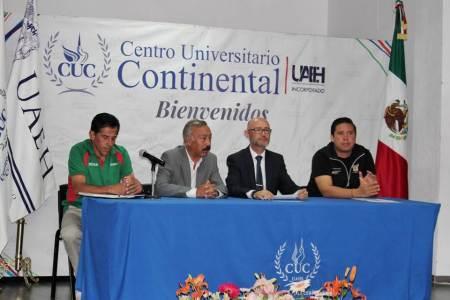 Centro Universitario Continental presentó cuarta carrera atlética con causa.jpg