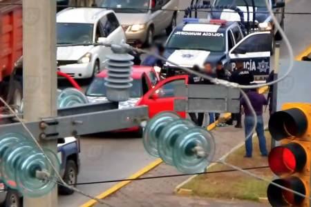 Con videovigilancia del C5i Hidalgo, dos detenidos por presunto robo de vehículo2.jpg