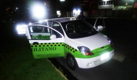 Detienen a 2 hombres tras presunto robo de taxi en Pachuca.jpg