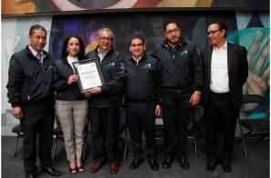 Docentes de la UTTT recibieron reconocimiento por destacada trayectoria académica