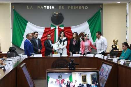Eguiluz Tapia destaca formalidad laboral en comparecencia ante el Congreso Local1.jpg