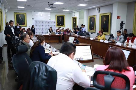 Eguiluz Tapia destaca formalidad laboral en comparecencia ante el Congreso Local2