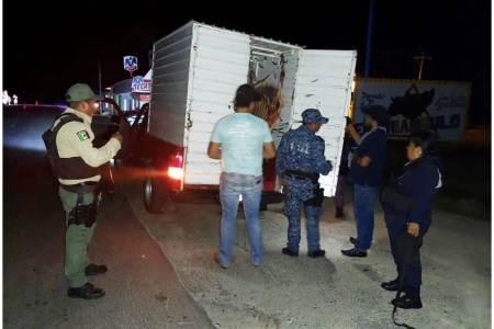 En límites con Veracruz, SSPH detiene a hombres armados y asegura probable droga.jpg