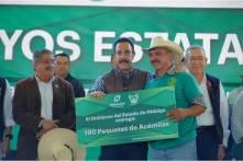 Entrega Fayad apoyos por 48.7 mdp a campesinos4