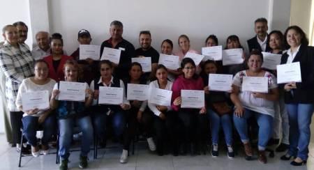 Entregan en Tizayuca apoyos del Programa de Capacitación en Micro y Pequeñas Empresas1