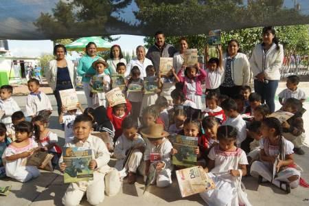 Estudiantes de preescolar y primaria indígena de Tasquillo y Alfajayucan recibieron la Gaceta Cazador@s de Saberes.jpg