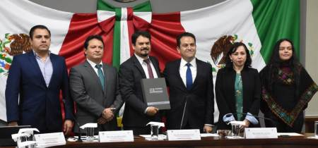 Expone José Luis Guevara avances en materia de movilidad y transporte ante la LXIV Legislatura2.jpg