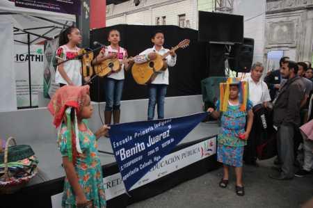 Impulsa Gobierno del Estado lenguas  y culturas indígenas en Primer Tianguis de Pueblos Mágicos2.jpg