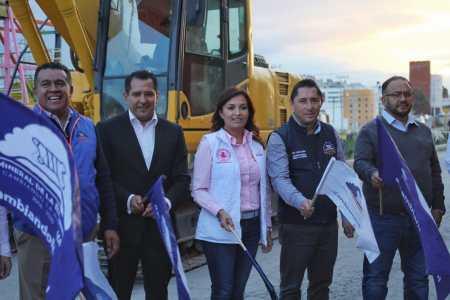 Inicia alcalde de Mineral de la Reforma, trabajos de construcción para la pavimentación de  concreto hidráulico en fraccionamiento El Saucillo.jpg
