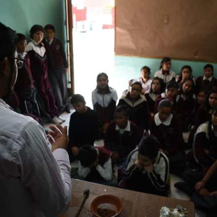 Lleva IMJ de Mineral de la Reforma, talleres artísticos a escuela primaria