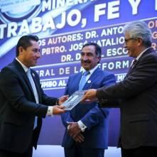 """Presenta municipio, libro """"Mineral de la Reforma trabajo, fe y territorio"""", 3"""