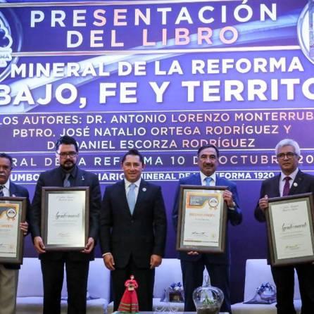 """Presenta municipio, libro """"Mineral de la Reforma trabajo, fe y territorio"""", 6"""