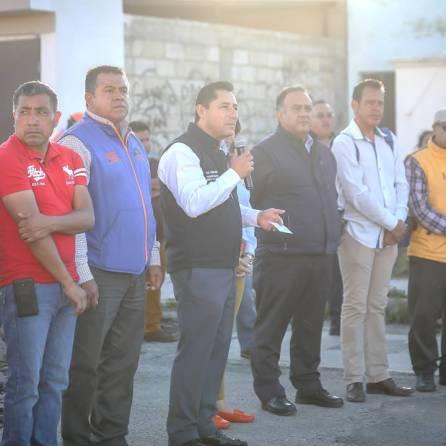Rául Camacho Baños encabeza banderazo de inicio de obra en Fraccionamiento Los Tuzos 3