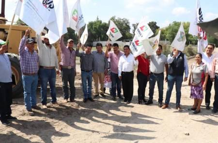 Realizan banderazo de Inicio de obra de Pavimentación Hidráulica en Ixmiquilpan1