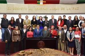 Reconoce LXIV Legislatura a destacado personaje en Protección Civil con entrega de medalla6