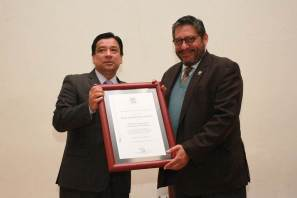 Rector de la Autónoma de Tlaxcala presenta obra editorial en UAEH4