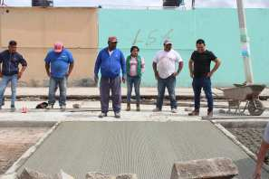 Vecinos y autoridades de Zempoala unen esfuerzos en pavimentación de calle en el área de Fraccionamientos