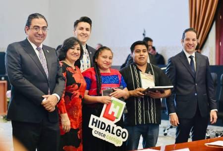 Ciudadanos de Acaxochitlán reciben de manos de la SFP el Premio Nacional de Contraloría Social