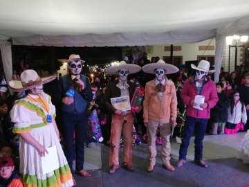Concurso y desfile de catrinas y catrines en Zempoala18
