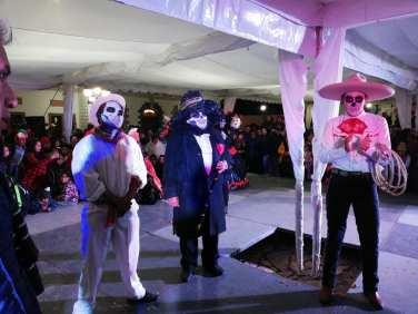 Concurso y desfile de catrinas y catrines en Zempoala3