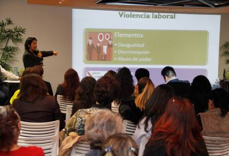 Efectúa SEPH jornadas de capacitación para evitar violencia laboral.jpg