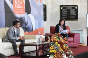 En días de activismo, se dicta conferencia y se presenta libro contra violencia hacia mujeres2