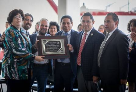 Entrega alcalde Raúl Camacho Ampliación de Aula para Laboratorio a CBTIS 8 3