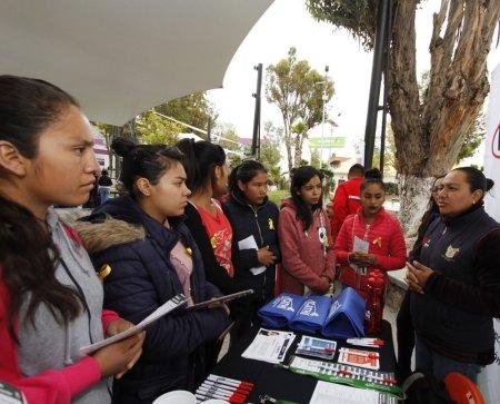 Entrega de Becas de Apoyo a la Educación Básica de Madres Jóvenes y Jóvenes Embarazadas.jpg