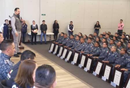 Entrega SSPH estímulos y reconocimientos a 25 policías estatales destacados2