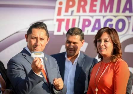 Realiza alcalde Raúl Camacho Baños sorteo de auto entre contribuyentes cumplidos3