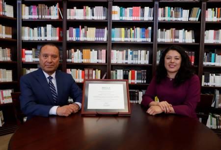 Recibe UAEH mención honorífica por diplomado de interculturalidad2
