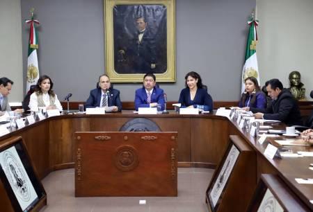 Secretario de Salud realiza mesa de trabajo con diputados locales