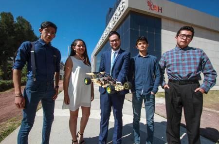 Alumnos de UAEH proponen automóvil libre de gasolina y enchufes