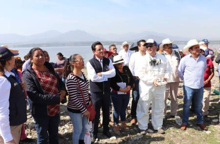 Benjamín Rico supervisa trabajos de fumigación en comunidades ribereñas 1.jpg