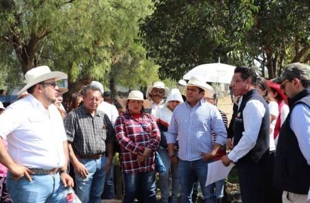 Benjamín Rico supervisa trabajos de fumigación en comunidades ribereñas 2.jpg