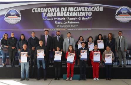 Encabeza Raúl Camacho ceremonia de Incineración y Abanderamiento en escuela primaria 4