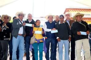 Entregan apoyos agropecuarios a municipios de Hidalgo2