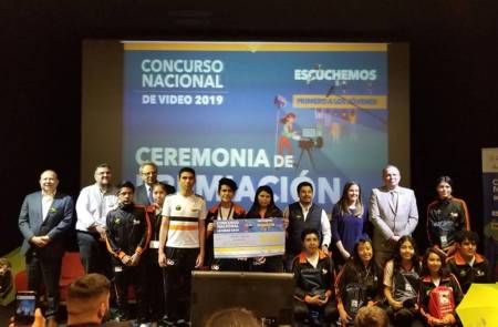 Galardonan a alumnos de la UAEH en Concurso Nacional de Video2.jpg