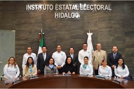 Integrantes de Nueva Alianza Hidalgo entregan documentos básicos al IEEH.jpg