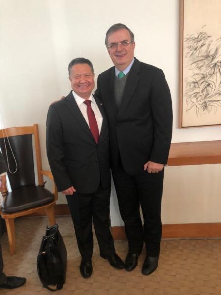 Julio Menchaca Salazar se reunió con el Secretario de Relaciones Exteriores