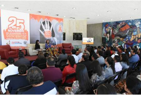 """Presentan el libro """"En Juego Nuestra Propia Historia"""", de la ex senadora, Leticia Burgos Ochoa.jpg"""