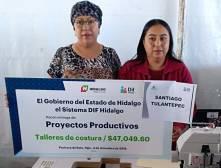 Reciben santiaguenses apoyos técnicos a través de DIF municipal 2