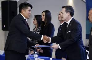Reciben título profesional 62 egresados del Centro Universitario Continental4